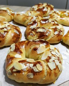 Kitchen Recipes, Cooking Recipes, Greek Easter Bread, Dessert Recipes, Desserts, Greek Recipes, Cooking Time, Bagel, Brunch