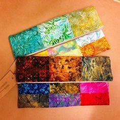 質の良いインドネシアの染物を一つ一つ繋げて作りました。4オンスの接着芯を使用し、しっかりと形を維持します。中には小物の収納に便利なポケットがあります。色は暗...|ハンドメイド、手作り、手仕事品の通販・販売・購入ならCreema。