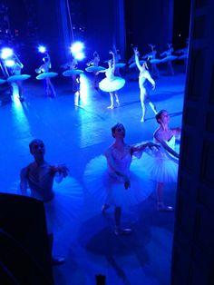 Twitter / charlesandersen: #Dans2go shades working it  #art #ballet #perfection