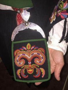 FINN – Vest Agder bunad jente/dame Folk Costume, Costumes, Folklore, Regional, Norway, Fashion Backpack, Boards, Vest, Girls