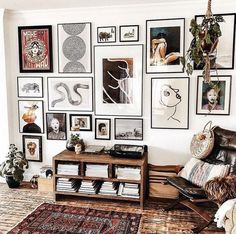 """""""I'm figuring out art for a few spaces and 's gallery wall is beyond 💣 for ideas. Such good midweek inspo from this shot ✖…"""" Inspiration Wand, Eclectic Gallery Wall, Eclectic Wall Decor, Living Room Decor, Bedroom Decor, Living Room Prints, Master Bedroom, Everything But The House, Frames On Wall"""