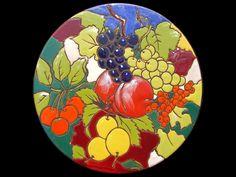 TECNICA CUERDA SECA  SMALTI SU TERRACOTTA  DESCRIZIONE DELLA TECNICA  Una tecnica  molto particolare che permette, con l'utilizzo di smalti ... Terracotta, Ceramic Pottery, Garden Art, Pop Art, Decoupage, Decorative Plates, Ceramics, Tableware, Glass
