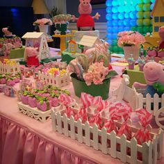 Peppa Pig Princesa, Cumple Peppa Pig, 6th Birthday Parties, 2nd Birthday, Peppa Pig Birthday Decorations, George Pig Cake, Aniversario Peppa Pig, Party Food Themes, Pig Party