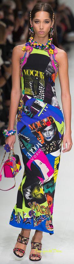 Versace Spring 2018 RTW #MFW #ss18 vogue print dress