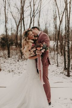 The bride& lace dress + fur stole and the groom& mauve suit were the perfect winter wedding fashion additions Perfect Wedding, Dream Wedding, Wedding Day, Winter Wedding Fur, Elegant Winter Wedding, Wedding House, Surprise Wedding, Winter Bride, 2017 Wedding