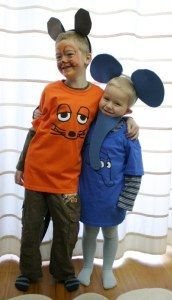 DIY Faschingskostüm: Kinder verkleidet als Maus und Elefant; selbstgemacht; ohne Nähmaschine; Sendung mit der Maus