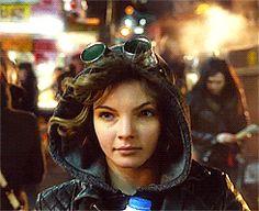 gif - scene tv serie - Cat woman girl, Carren bicondova actress, robbing a milk  #catwoman #gif
