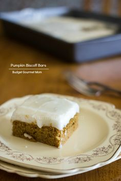 Biscoff Pumpkin Bars www.budgetgourmetmom.com #biscoff #dessert #recipe
