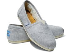 A summery pale grey to transition into fall // TOMS Light Wool Classics