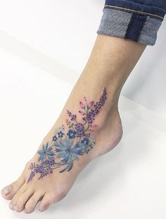 Flower foot tattoo – – – foot tattoos for women flowers Beautiful Flower Tattoos, Pretty Tattoos, Love Tattoos, Body Art Tattoos, New Tattoos, Small Tattoos, Beautiful Flowers, Colorful Flower Tattoo, Tattoos Skull