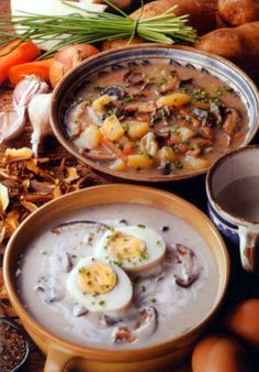 A Czech meal often starts with soup (polévka). In fact many Czechs eat soup morning, noon and evening! Every region has its own favourite soups.