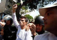 Dirigentes opositores celebran casa por cárcel a Leopoldo y piden libertad plena