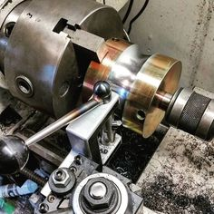 Turning some 4140 tube roller dies with my radius tool.but slow. Turning some 4140 tube roller dies with my radius tool.but slow. Metal Lathe Tools, Metal Lathe Projects, Metal Working Tools, Metal Shaping, Machinist Tools, Welding And Fabrication, Metal Bending, Lathe Machine, Garage Tools