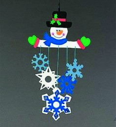Movil Muñeco de nieve corte laser en MDF pintura acrilica a mano