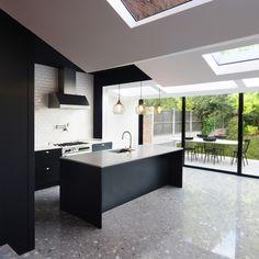 folds-house-london-bureau-de-change-monochrome-pinterest_dezeen_1704_col_1