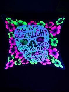 "2,5x2,5m Psywork Schwarzlicht Goa Segel Spandex ""Flower Skull""  #blacklight #schwarzlicht #neon #glow #psy #party #deco #spandex #stretch #effects"