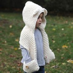 The Graham Scarf pattern by Jenny Nicole Welcome to Style Me Cozy! All of my patterns are designed to be simple to knit, cozy to wear, and timeless in style. Knitting For Kids, Baby Knitting, Crochet Baby, Hat Crochet, Crochet Style, Crochet Hooded Scarf, Crochet Scarves, Crochet Headbands, Hooded Cowl