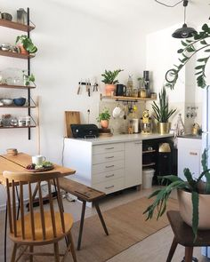 This kitchen is everything to me! Totally in love with how cute and cozy it looks! Home Decor Kitchen, Home Office Decor, Home Kitchens, Kitchen Design, Decor Interior Design, Room Interior, Interior Decorating, Deco Nature, Beautiful Kitchens
