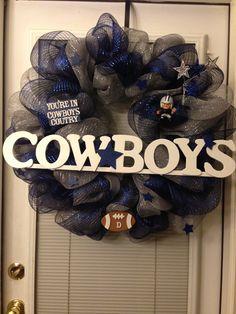 Dallas Cowboys wreath. Adaptable to any team, any sport, any level.