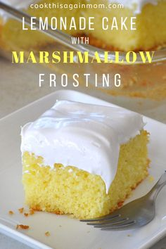 A creamy, sweet, and delicious marshmallow frosting is a perfect partner for this lemonade cake. A creamy, sweet, and delicious marshmallow frosting is a perfect partner for this lemonade cake. Lemon Dessert Recipes, Delicious Cake Recipes, Cake Mix Recipes, Lemon Recipes, Köstliche Desserts, Yummy Cakes, Baking Recipes, Delicious Food, Sweet Recipes