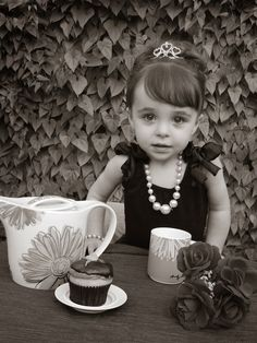 The Crafty Mom : Breakfast At Tiffany's themed photo shoot for a 2 year old