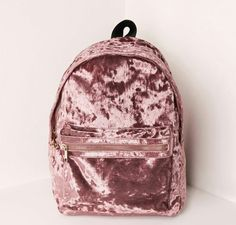 Mochilas in Alone With a Paper Mocila Veludo Rosa *Clique para ver post completo* Cute Mini Backpacks, Girl Backpacks, Pretty Backpacks, Leather Backpacks, School Backpacks, Leather Bags, Fashion Bags, Fashion Backpack, 90s Fashion