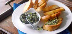Röstbrot mit Olivenpaste