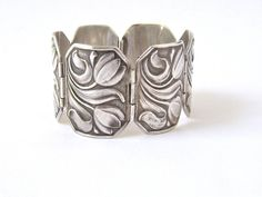 Bracelet | Carl Poul Petersen.  Silver. ca. 1920s, Denmark.  This would be lovely as a ring also...