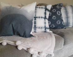 ● Bienvenidos ●  Desarrollo de la técnica japonesa SHIBORI. Generación de diferentes patrones/ pattern mediante el teñido de telas, de forma artesanal. Luego se aplican a la creación y desarrollo de productos para el hogar. Todas las estampas y los productos fueron hechos a mano. Shibori, Throw Pillows, Shape, Product Development, Facts, Appliques, Patterns, Home, Toss Pillows