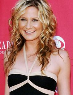 Medium length curly hair -  Jennifer Nettles