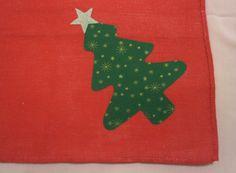 DIY Christmas Tree   See here: http://customizando.net/como-customizar-com-fast-patch-para-o-natal/
