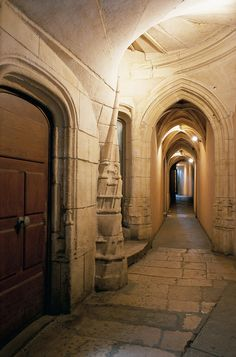 Traboule du Vieux Lyon, les passages qui relient les rues via les immeubles
