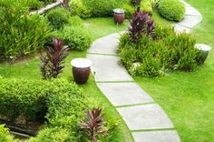 Improving Curb Appeal with Landscape Pavers-Improving Curb Appeal with Landscape Pavers. From plants to shrubs to choosing the right landscape pavers can be a challenge. Try these helpful tips. Cheap Landscaping Ideas, Landscaping With Rocks, Backyard Landscaping, Backyard Patio, Landscape Pavers, Landscape Design, Garden Design, Small House Garden, Stone Backyard
