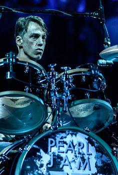 "Matt Cameron of Pearl Jam performs on November 2013 during their ""Lightning Bolt"" tour at Viejas Arena in San Diego, California Jeff Ament, Matt Cameron, Rock Lobster, Eddie Vedder, Pearl Jam, Lightning Bolt, Led Zeppelin, Pj, Evolution"