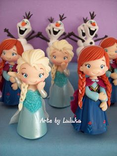 Arte by Luluka Bolo Frozen, Frozen Doll Cake, Frozen Fondant, Frozen Dolls, Frozen Birthday Decorations, Frozen Birthday Cake, Frozen Theme Party, Frozen Cartoon, Frozen Biscuits