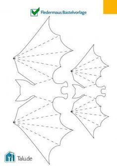 Making a bat - 3 simple crafting instructions - Kids Craft - Halloween Ideas Moldes Halloween, Halloween Templates, Halloween Decorations For Kids, Adornos Halloween, Manualidades Halloween, Easy Halloween Crafts, Fete Halloween, Holidays Halloween, Halloween Night