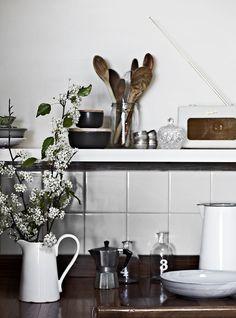 kitchen inspiration - rustic storage