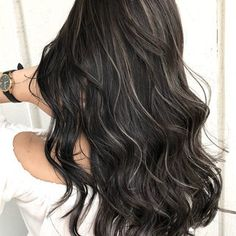 ハイライト デート ロング インナーカラー|addict addictトッ… - All For Hair Color Balayage Brown Hair Cuts, Brown Hair Looks, Brown Hair Shades, Brown Hair With Highlights, Light Brown Hair, Brown Blonde Hair, Brunette Hair, Dark Hair, Bronde Hair
