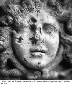 Mimmo Jodice - Gorgoneion Puteoli - 1992 - stampa ai sali d'argento su carta baritata