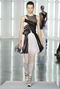 Rodarte Spring 2009 Ready-to-Wear Fashion Show - Lyoka Tyagnereva