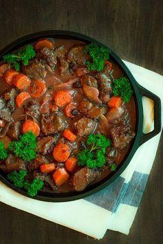 Mustaherukkainen hirvipata - Sweet Food O´Mine Venison, Herbal Remedies, Deli, Sweet Recipes, Stew, Lamb, Herbalism, Food And Drink, Cooking Recipes