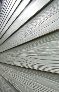 When it comes to making smart choices for the construction of your home, Vero Beach hardie plank siding is a far better choice than any wood or vinyl siding options. Concrete Board Siding, Hardie Board Siding, Hardiplank Siding, Fibre Cement Cladding, Fiber Cement Siding, House Cladding, House Siding, Siding Cost, Fiber Cement Board