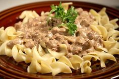 Tonight's dinner...ground beef stroganoff...not much of a beef eater...but I might as well do something with this left over sour cream from the fish tacos and leftover ground turkey  and mushrooms from the last week's meatballs...trying to be thrifty...