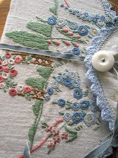 vintage embroidery...I just love old stitched items...this one is just too sweet!