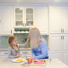 I am rounding up my top 6 healthy snack foods for picky kid eaters. New Recipes, Snack Recipes, Snack Items, Picky Eaters Kids, Rounding, School Lunches, Healthy Snacks For Kids, Food Preparation, Photo Ideas