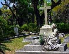 Bonaventure Cemetery Savannah Georgia Savannah Georgia, Savannah Chat, Bonaventure Cemetery, Fountain, Garden Sculpture, Outdoor Decor, Beauty, Water Fountains, Beauty Illustration