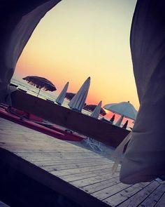 Reposting @_free_waves: Ho visto arrossire il cielo dopo un tuo sorriso 🌄 #sky #sun #sunset @top.tags #toptags #sunshine #sol #red #sunsets_oftheworld #twilightscapes #sky #clouds #sunset_pics #sunsetsniper #ig_sunsetshots #all_sunsets #igsunset #orange #instasunsets #sunset_vision #super_photosunsets #ig_sunset #sunrays #sunsetlovers #sungoesdown #scenicsunset #sunsetoftheworld #sunbeam #world_globalsky