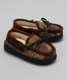Take a look at this Realtree Camo Real Tree Slipper - Kids on zulily today!