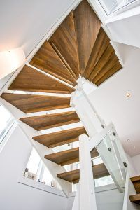 Stairs, Wood, Crafts, Home Decor, Stairway, Manualidades, Decoration Home, Woodwind Instrument, Room Decor