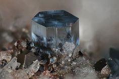 Osumilite-(Mg) KMg2(Al5Si10)O30 Locality: Nickenicher Weinberg (Nickenicher Sattelberg), Nickenich, Andernach, Eifel, Rhineland-Palatinate, Germany Field of View: 1.02 mm Michael Förch's Photo The Mg...